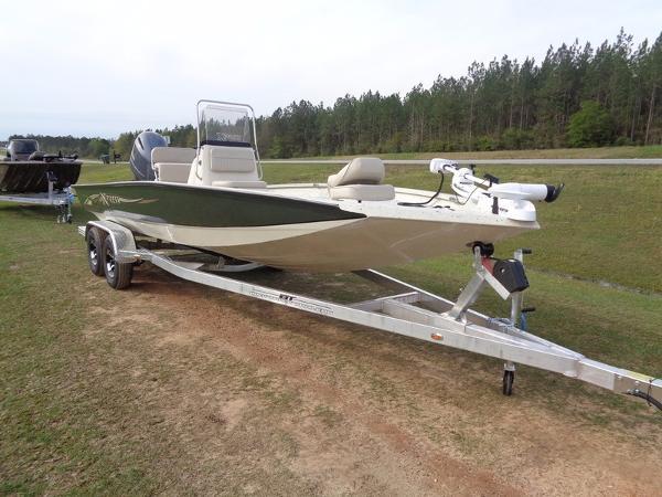 2016 Xpress Boats Hyper-Lift Bay H22B