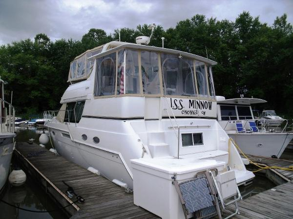 1999 Carver 406 Motor Yacht Fresh Water