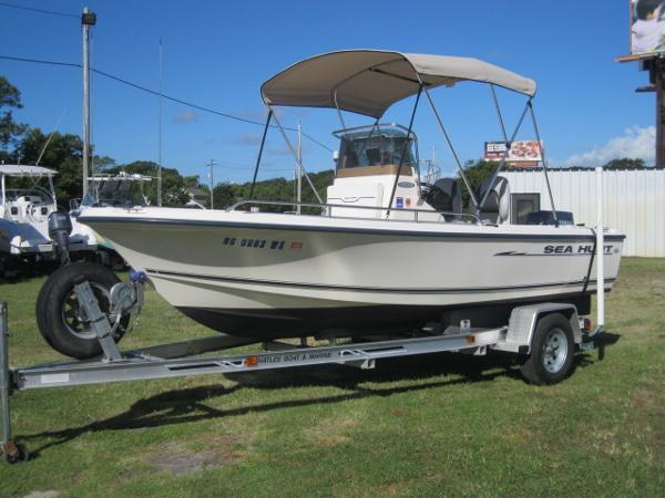 2002 Sea Hunt Triton 172