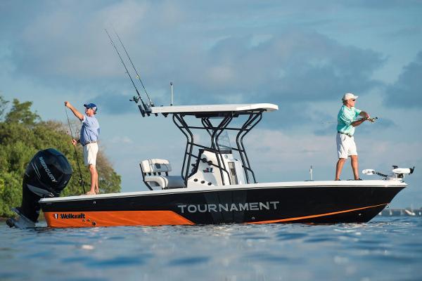 2017 Wellcraft 241 Fisherman