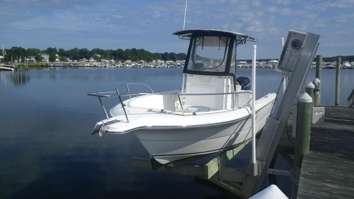 2003 Sea Fox 230 Center Console