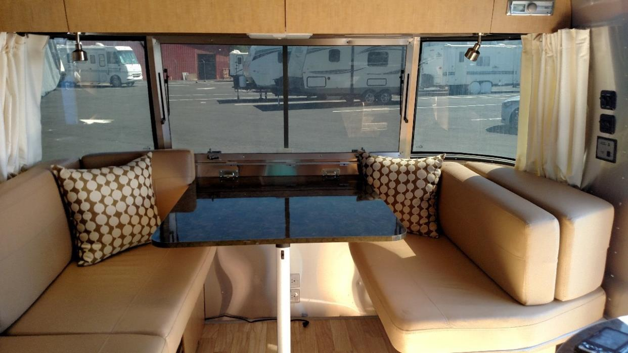 2015 Airstream FLYING CLOUD 25RB