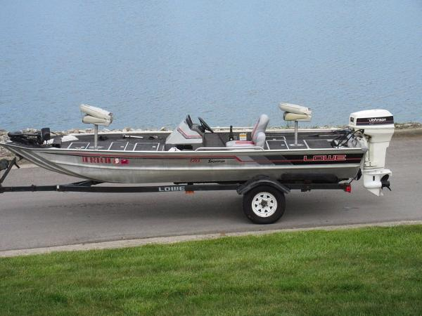 1991 Lowe 170 Commander