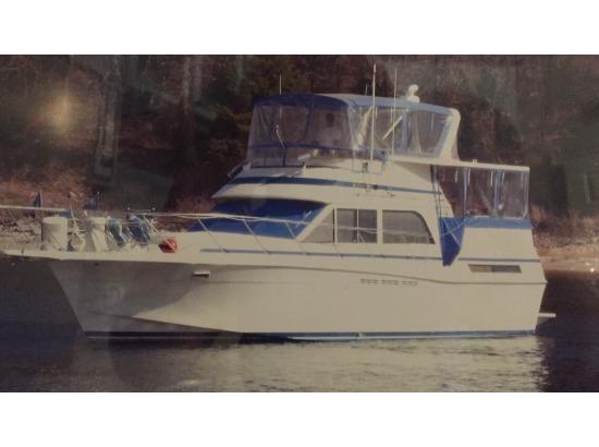 1985 Chris-Craft Catalina 426