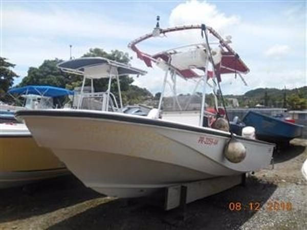 1981 Boston Whaler Outrage 20