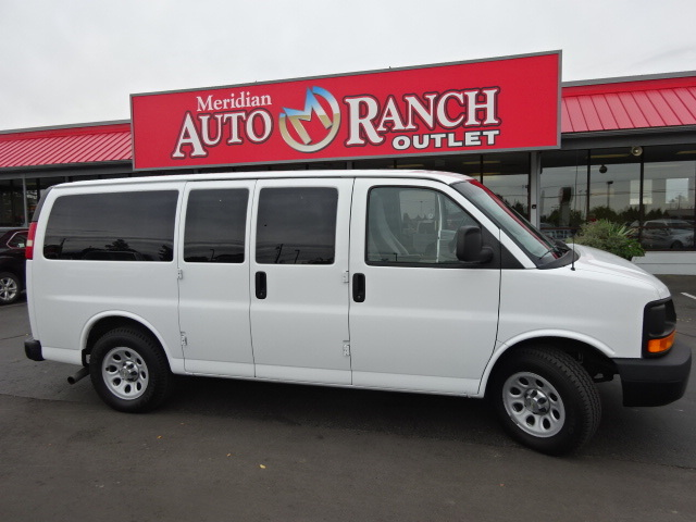2010 Chevrolet Express 1500 Ls  Passenger Van
