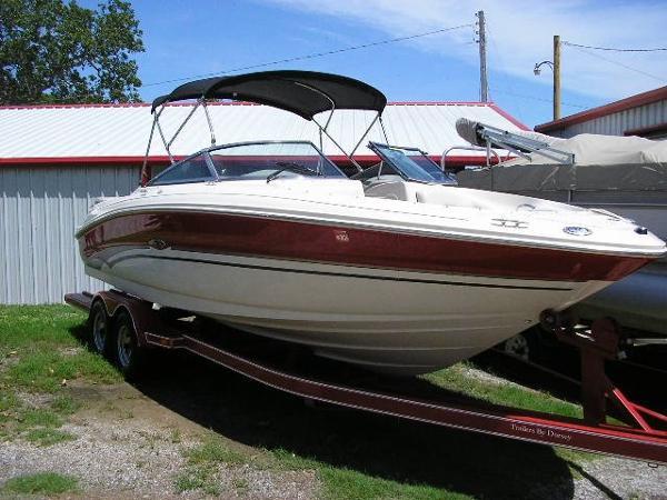 2003 searay 240BR