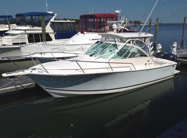 2008 Regulator 30 Express