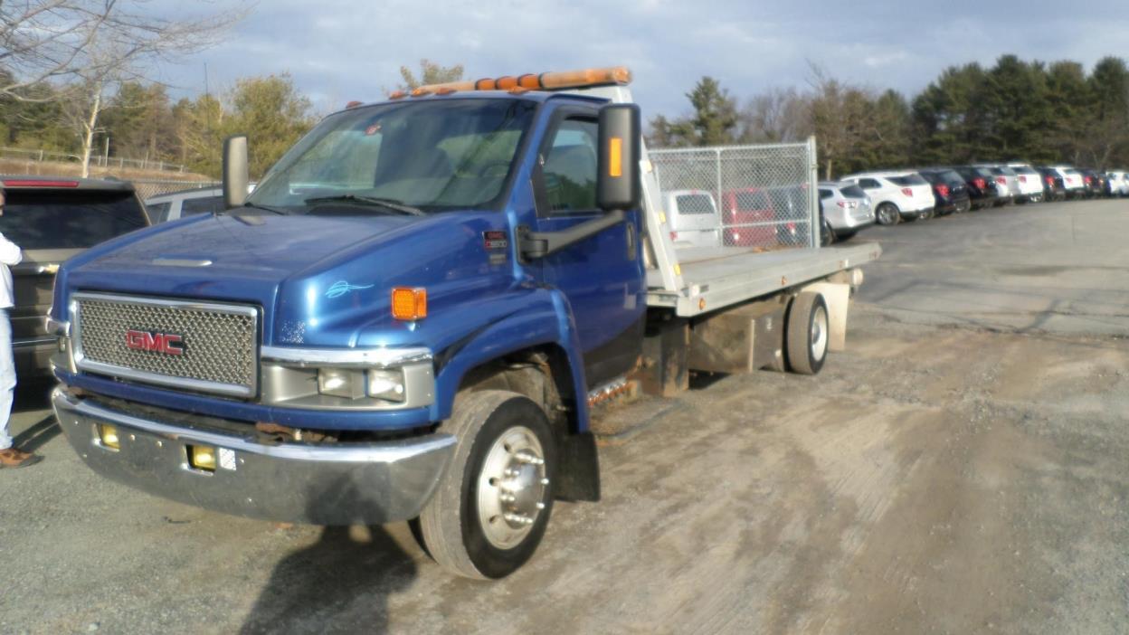 2004 Gmc C5500  Rollback Tow Truck