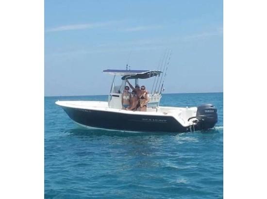 2011 Sea Hunt Triton