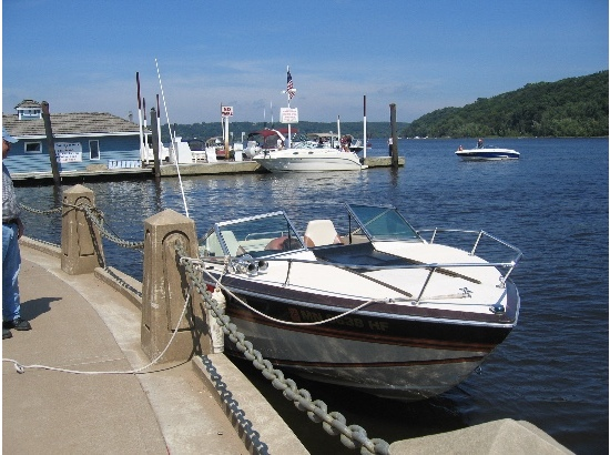 1981 Chris-Craft Scorpion 210