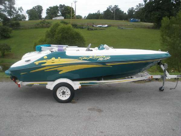 1998 Sea Ray SeaRayder F16XR