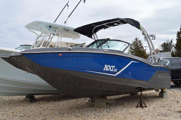 2016 Mastercraft NXT20 OUTBOARD