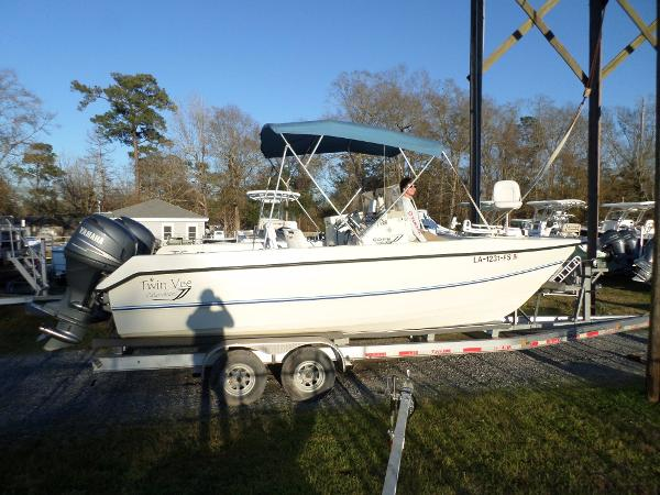 2008 Twin Vee 22 DUAL CONSOLE