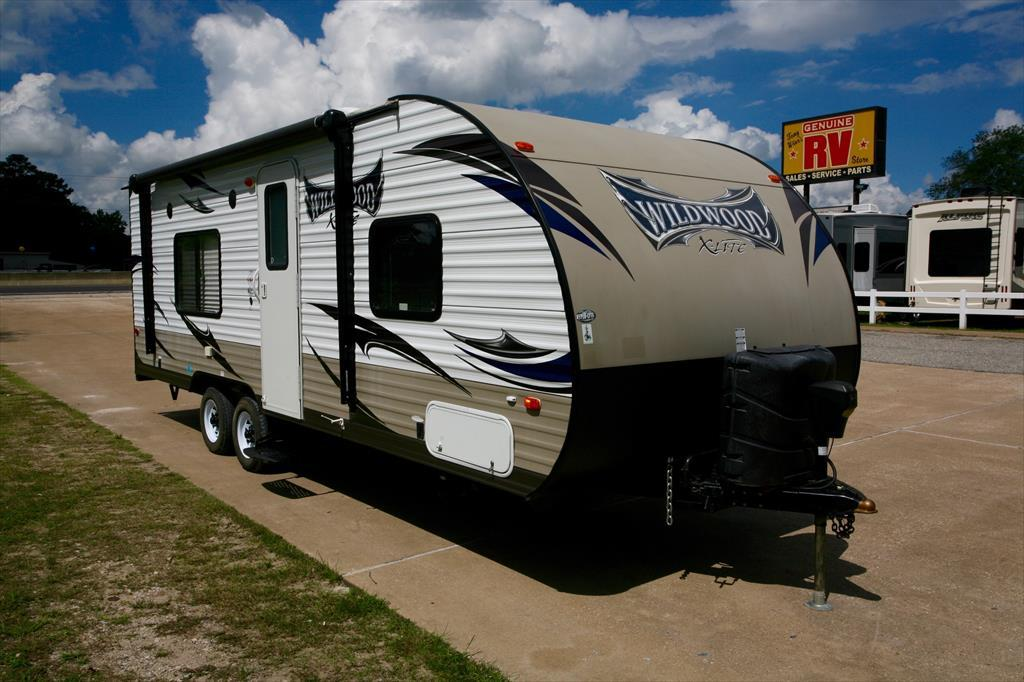 2015 Forest River Wildwood X-Lite 241QBXL