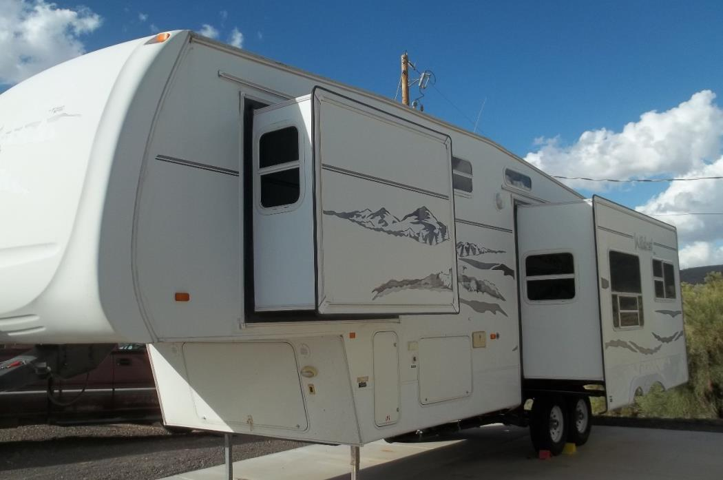 2005 Forest River WILDCAT 30LSWB