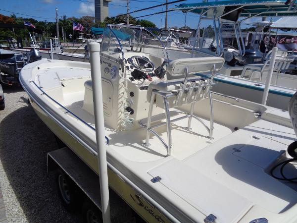 2005 SCOUT 22 BAY SCOUT 220