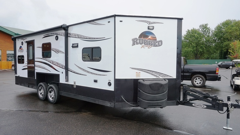 2017 Ice Castle Fish Houses Rugged RV 8x21V
