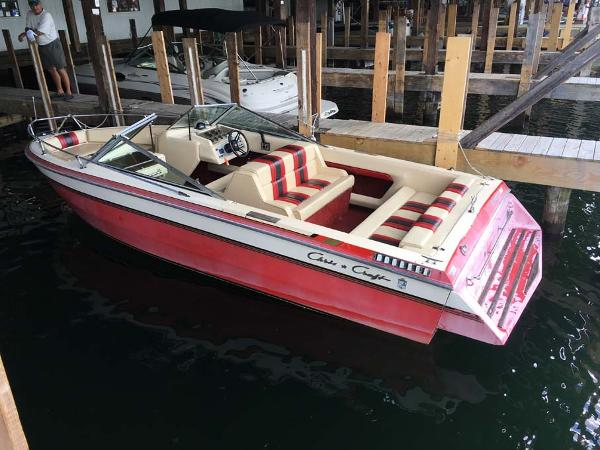 1985 Chris Craft 210BR Ski Jack