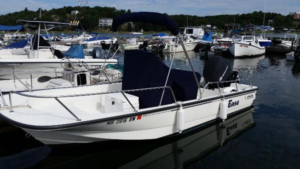 2016 Boston Whaler 19 Montauk