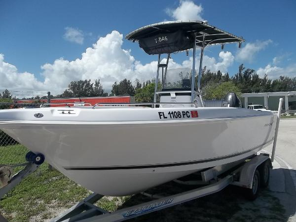 2010 Pro-Line 22 Sport Center Console (LOADED!)