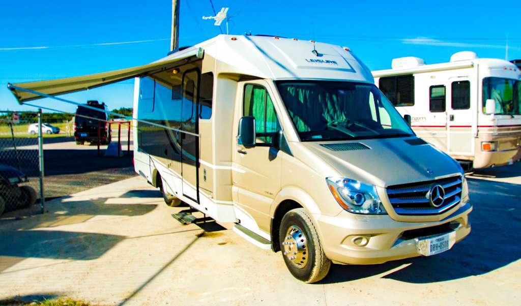2014 Leisure Travel Vans Unity U24IB