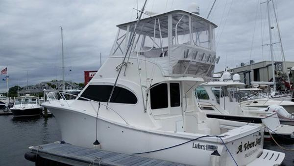 2009 Luhrs Flybridge Convertible with Zeus Pod Drives