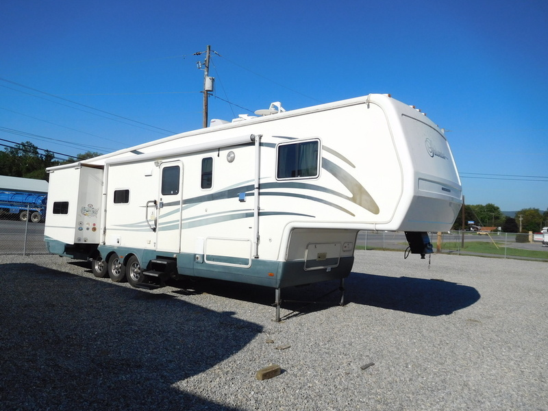 2001 National Rv Palisades F370