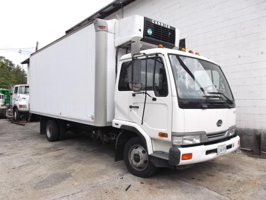 2000 Ud Trucks 2000  Bucket Truck - Boom Truck