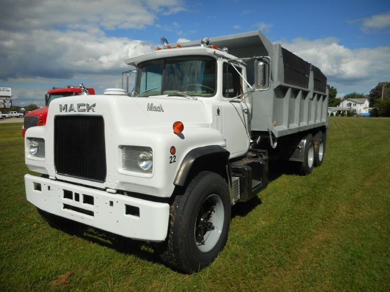 1978 Mack R600 Dump Truck