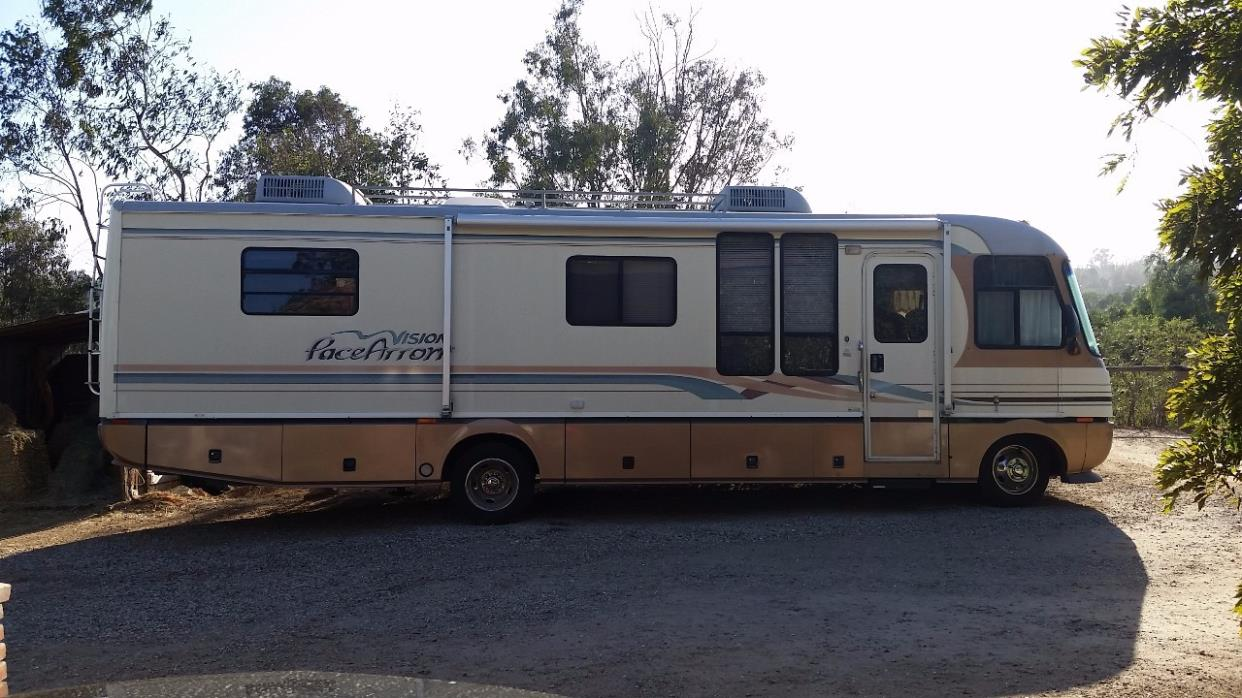 1996 Fleetwood PACE ARROW 33P