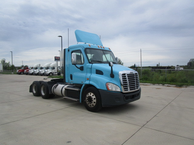 2012 Freightliner Ca113 Conventional - Sleeper Truck