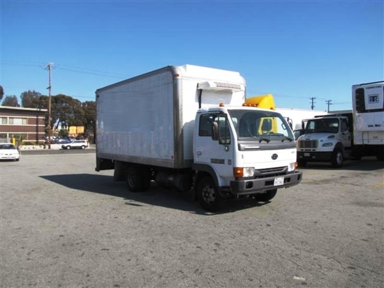 2010 Nissan Ud1400 Refrigerated Truck