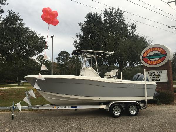 2017 Clearwater 2200  WI Center Console