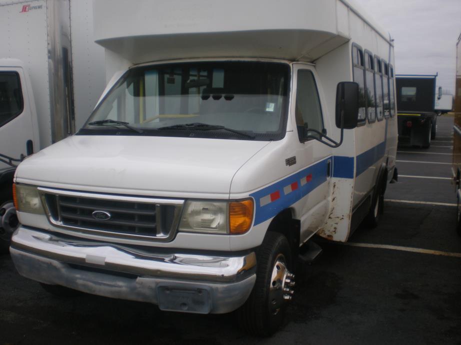 2003 Ford E350  Bus