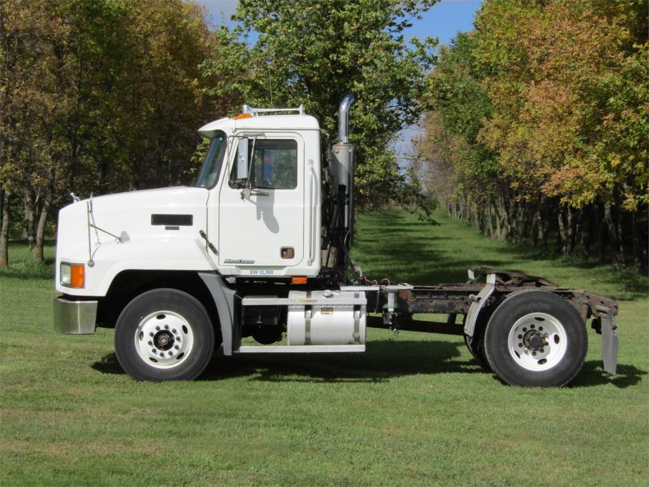 2002 Mack Ch612 Conventional - Day Cab