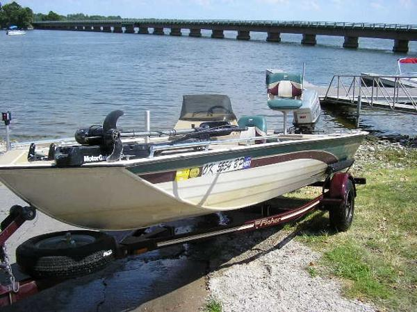 1997 Fisher Fish Hawk 17'