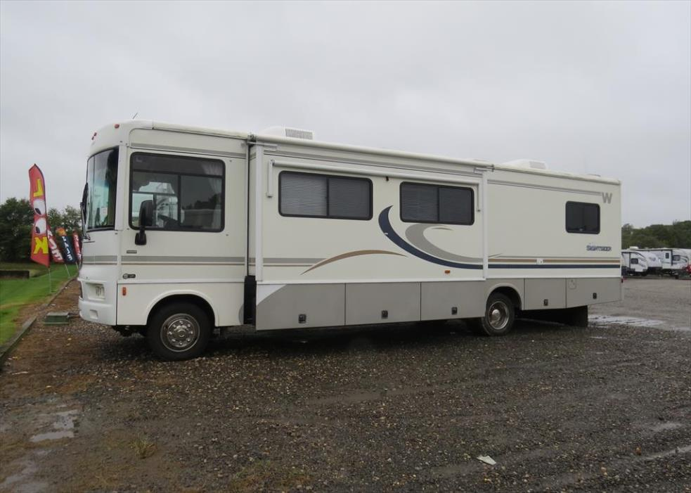 2004 Winnebago Sightseer 35N
