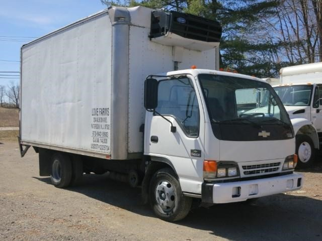 2004 Chevrolet W4500 Refrigerated Truck