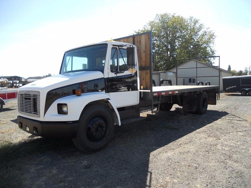 1999 Freightliner Fl60 Flatbed Truck