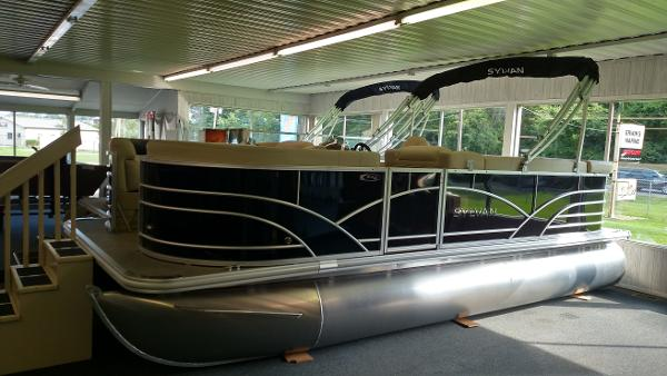 2017 Sylvan Mirage Cruise 8520 CR