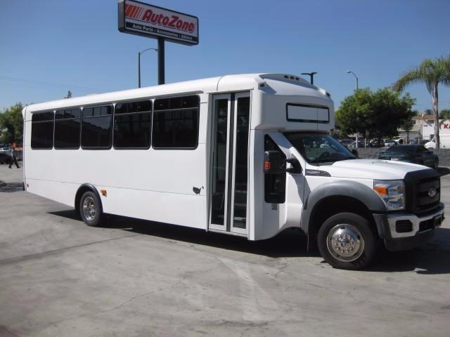 2011 Champion Defender 330  Bus