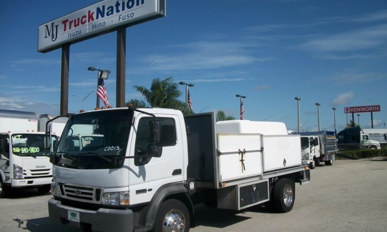 2007 Ford Lcf  Flatbed Truck