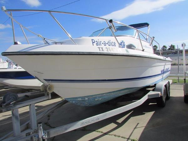 1997 Wellcraft 210 Coastal