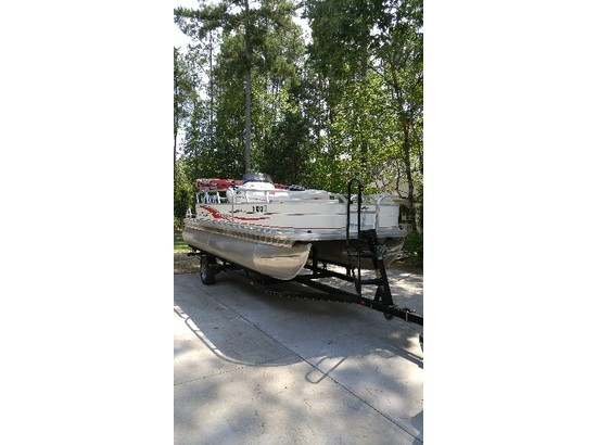 2009 Sun Tracker Fishing barge 21 Signature Series