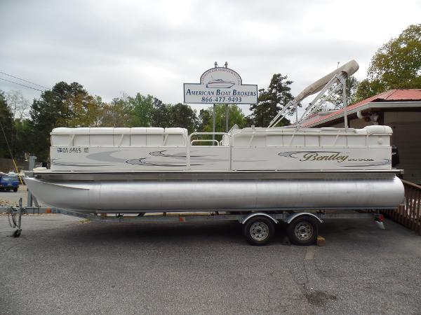 Bentley Pontoons 240 Cruise Boats For Sale