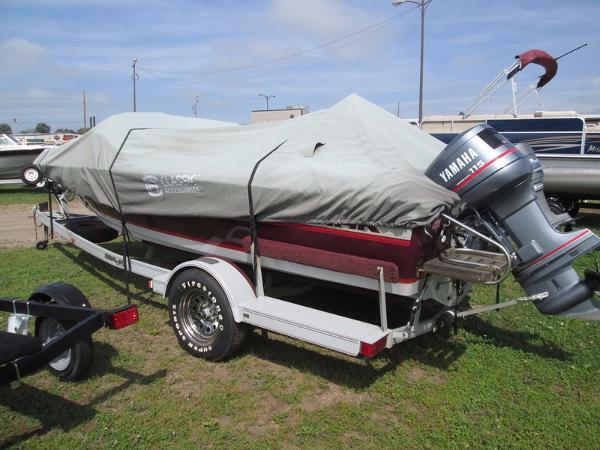 1990 Ozark V 174 Fish and Ski