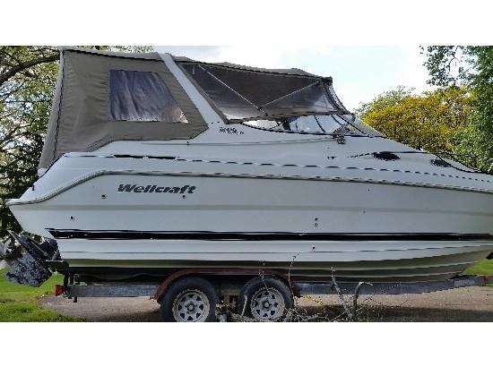 2000 Wellcraft Martinique 2600