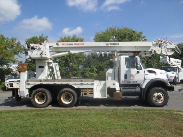 2010 Terex General Model 8465  Bucket Truck - Boom Truck
