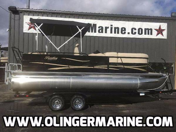 2016 Encore Boat Builders 220 CRRE
